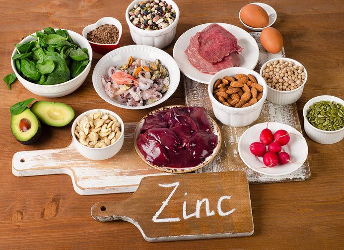 Zinkmangel begünstigt die Entstehung von chronischen Stoffwechselerkrankungen und Hauterkrankungen. Prävention mit orthomolekularer Medizin und Mikronährstoffen